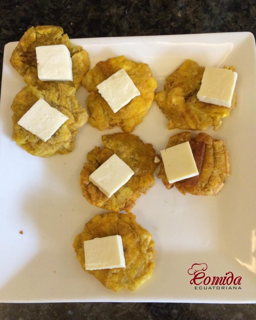 Patacon con queso ecuatoriano